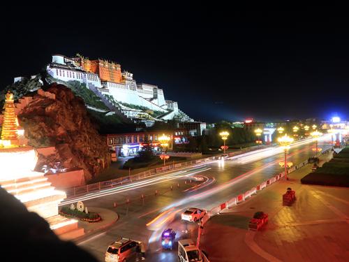 拉薩 - 布達拉宮之夜.藥王山.宗角祿康.龍王潭.西藏和平解放紀念碑
